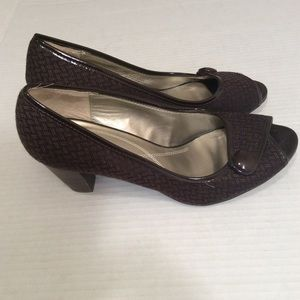 Women's Shoes Naturalizer Brown Size 8M